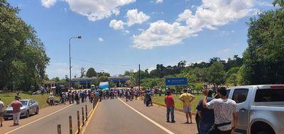 Marcha en Puerto Yguazú para pedir reapertura de frontera con Foz y Franco