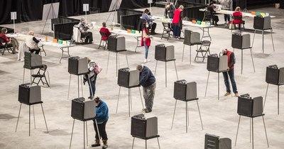 La Nación / EEUU: ¿Cuándo se informan los primeros recuentos de votos?
