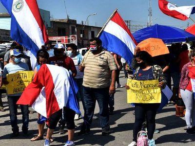 Paseros exigen apertura de frontera con la Argentina