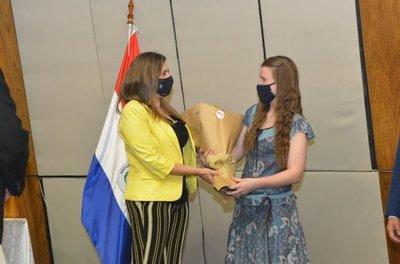 La Cámara de Diputados entregó el premio #HambreCeroParaguay 2020 al Grupo Kress