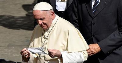 """El papa Francisco expresó su dolor por el atentado en Viena: """"¡Basta de violencia!"""""""