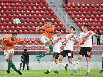 River Plate pierde en el debut ante Banfield