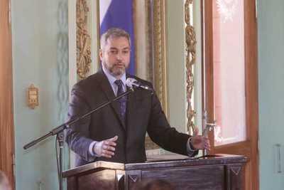 Presidente Abdo afirma que su gobierno concretará la soberanía energética del país