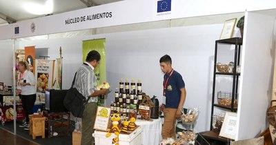 La Nación / Casi 1.200 pequeñas empresas se presentaron para el concurso Acción Mipymes