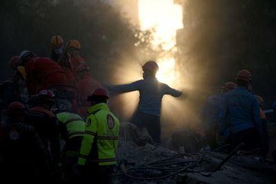 Balance del sismo en Turquía asciende a 114 muertos