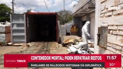 Familiares piden repatriación de cuerpos hallados en contenedor