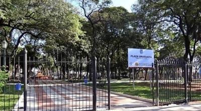 """HOY / Roban librería de la Plaza Uruguaya: """"Está cerrada para todo el mundo pero para los ladrones no"""""""