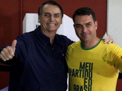 Fiscalía denuncia a hijo mayor de Bolsonaro por caso de corrupción