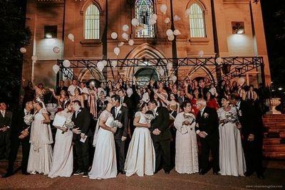 Concurso premiará con boda a trabajadores de salud y bomberos