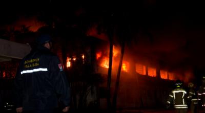 Incendio de gran magnitud consumió fábrica de colchones