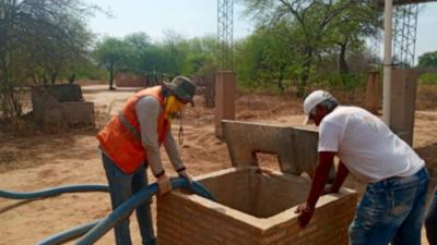 SEN distribuye agua potable a comunidades indígenas y rurales en varios puntos del país