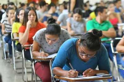 Ejecutivo promulga arancel cero en universidades públicas y estudiantes aguardan reglamentación