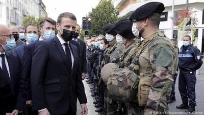 Francia duplica la seguridad en sus fronteras y quiere reformar Schengen
