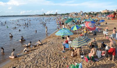 Encarnación; Comerciantes desconcertados ante dudas sobre habilitación de playas – Prensa 5