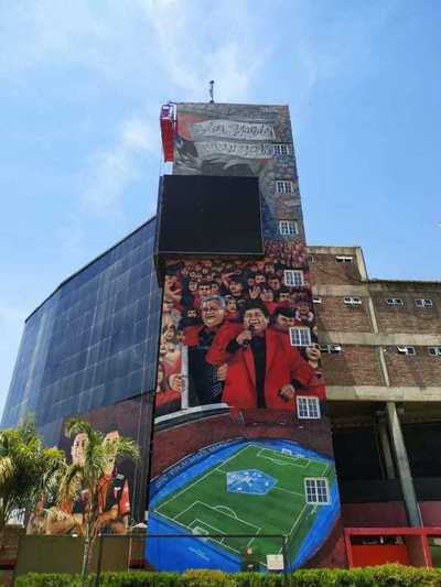 El mural en el estadio de Colón que inmortaliza la final en la Nueva Olla – Prensa 5