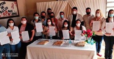 La Nación / Trabajadores del consejos de salud celebran su inclusión en la nómina de la función pública