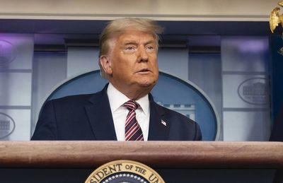 Trump denuncia irregularidades en  el conteo en estados demócratas