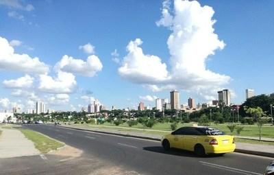 Meteorología anuncia jornada de viernes cálida a calurosa y sin lluvias