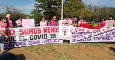 La Nación / Directora del Hospital de Itauguá asegura que pacientes oncológicos no deambulan
