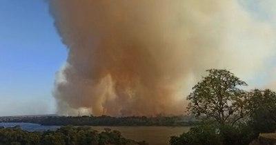 Ñeembucú: Una isla de Cerrito fue consumida por las llamas