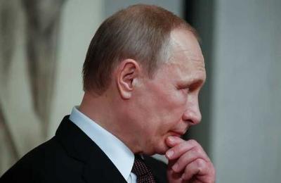 Medio británico afirma que Putin tendría Parkinson: dejaría el poder en los próximos meses