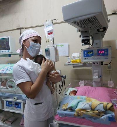 Instan a cuidar la alimentación y el ambiente del niño prematuro