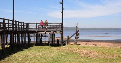 La Nación / Lago Ypacaraí sufre un histórico descenso de aguas