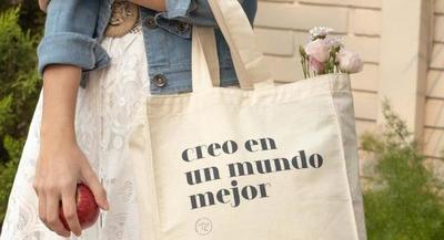 Internas del Buen Pastor elaboran bolsas de lienzo ecológicas para la venta