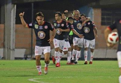 Salgueiro define a favor de San Lorenzo la 'final' ante el '12'