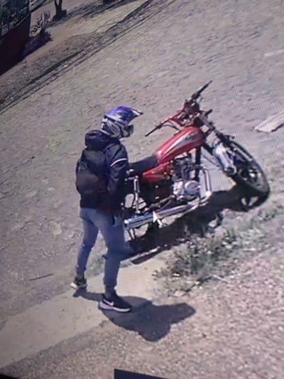 Detienen a presunto motochorro tras intento de fuga