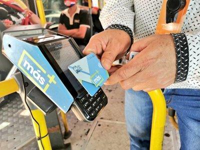 Suspenden pago exclusivo de pasaje con tarjeta electrónica