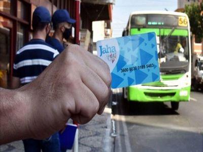 Se suspende uso obligatorio de tarjetas del billetaje electrónico tras vergonzosa distribución