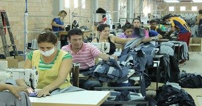 La Nación / Confeccionistas de Yaguarón producirán prendas para multitiendas importadoras