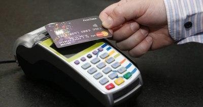 La Nación / Mastercard presenta nueva tarjeta de débito sin contacto para operar online