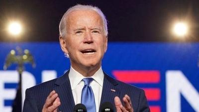 HOY / Biden promete unir a EEUU tras derrotar a Trump