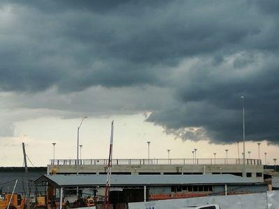 Anuncian tormentas y vientos de hasta 100 km/h para el lunes