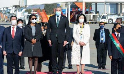 Abdo participará de asunción presidencial en Bolivia y luego irá a cuarentena