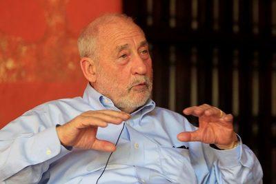 Stiglitz: No habrá recuperación económica hasta que no superemos la covid-19