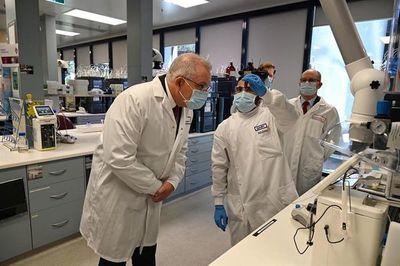 Australia inicia la producción de la vacuna de AstraZeneca contra la COVID-19