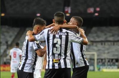 HOY / Brasil: Atlético Mineiro se ensaña con Flamengo y el Inter asume el liderato