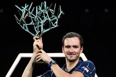 Medvedev supera a Federer y es cuarto de la ATP