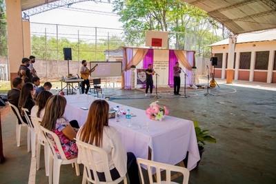 """""""Dúo Esperanza"""" compuesto por jóvenes del CEI incursiona en el mundo de la música"""