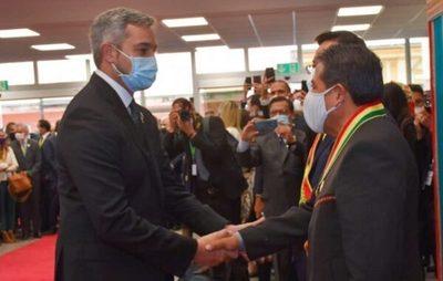 Abdo Benítez da negativo y cumplirá cuarentena tras viaje a Bolivia