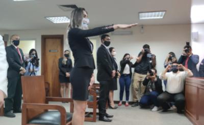 HOY / Kimberly Ayala, primera abogada trans en Paraguay