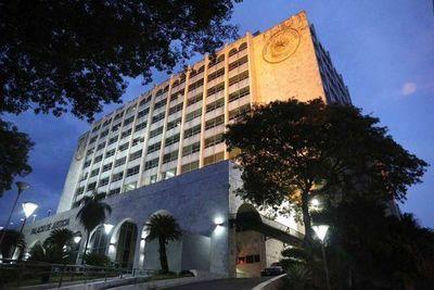 Centro de Estudiantes de Derecho-UNE aboga por juramento de Kimberly Ayala