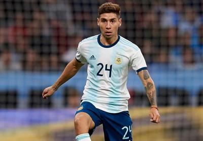 Argentina completa su lista con tres futbolistas locales