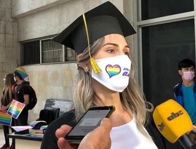 Jura abogada trans luego de cinco años de lucha