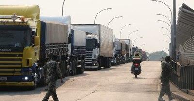 La Nación / Puente de la Amistad: récord histórico en cruce de camiones en octubre