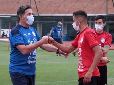 """Ángel Romero: """"Tenemos un gran plantel que puede pelear los tres puntos"""""""