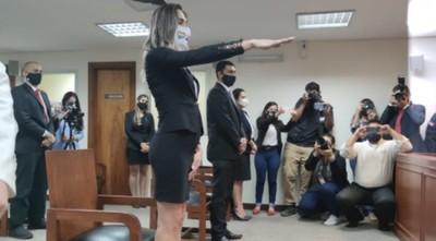 Finalmente, la primera abogada trans del país pudo prestar juramento en la Corte